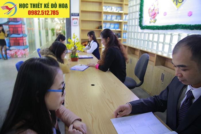 Tham gia khóa học đồ họa truyền thông – seo quận CầuGiấy